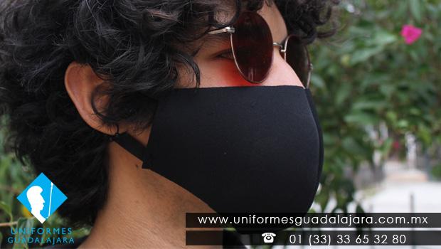 Cubrebocas negro de neopreno Guadalajara